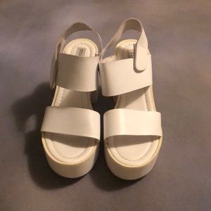 Steve Madden sandals plattform